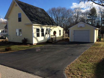 13 Mill St, Rochester, NH 03868