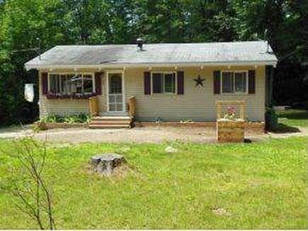 2 Wildwood Ln, Wolfeboro, NH 03894